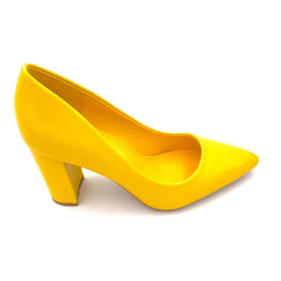 Escarpins jaune talon carré