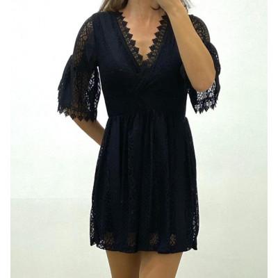 Robe noir manche courte à dentelles