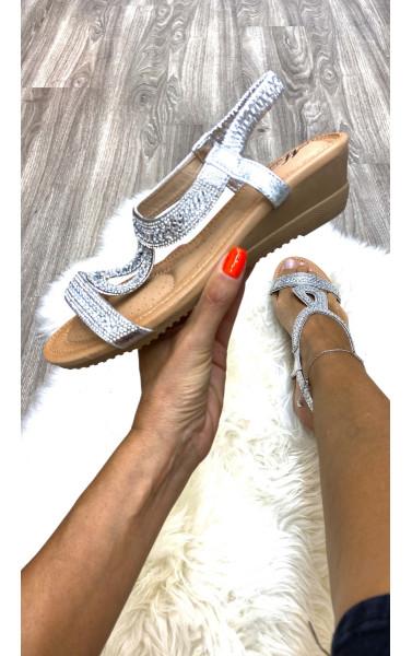 Sandale talon compensé à strass