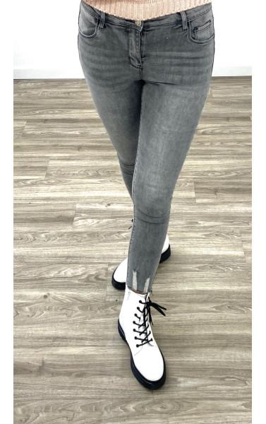 Jeans slim taille haute avec griffure au cheville