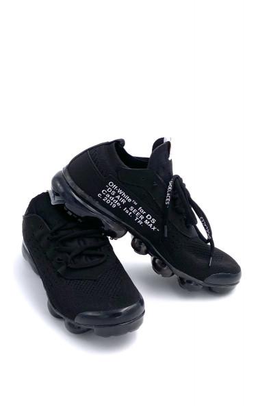 Chaussure avec écriture