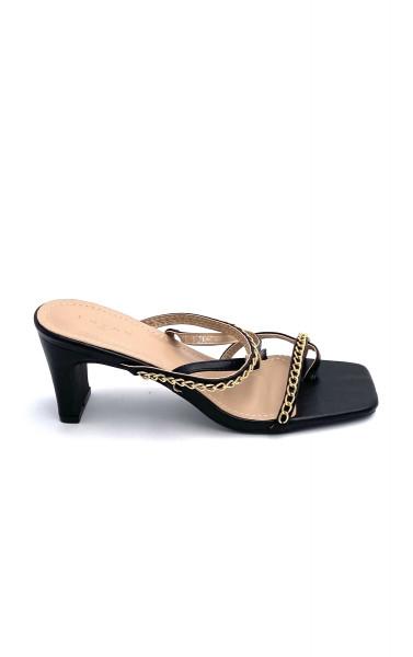 Sandale avec anneau d'orteil à double bride