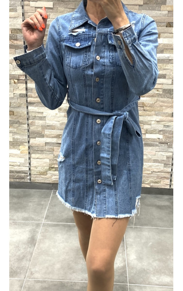 Robe chemise en jean destroy ceinturée
