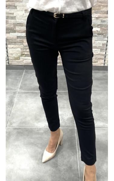 Pantalon cigarette accessoirisé d'une ceinture
